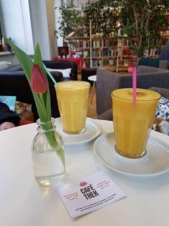 CaféthekBibliothek.jpg